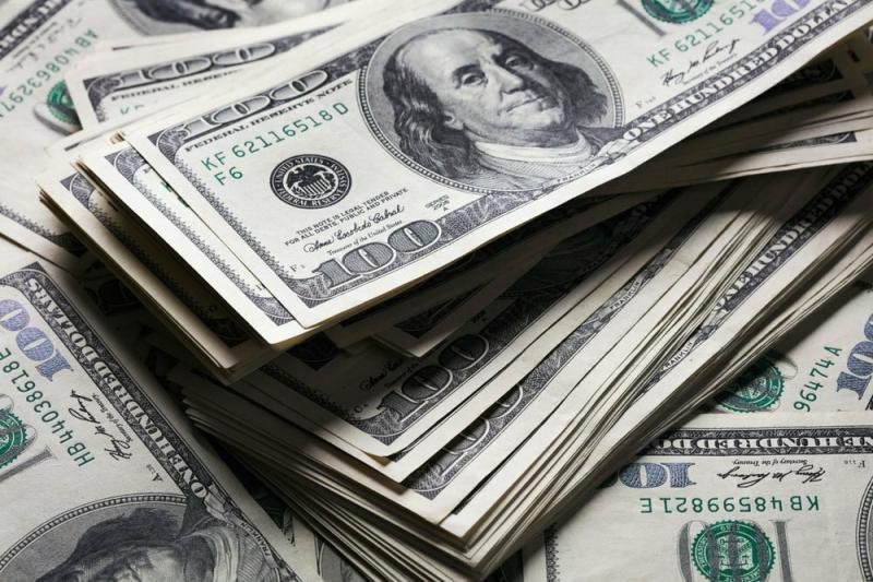 Что происходит с курсом доллара?