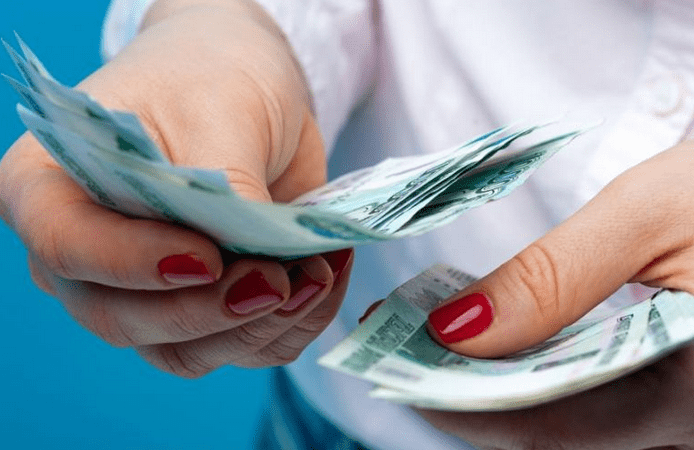 Как сохранить рублевые сбережения в кризис: совет Аристарха