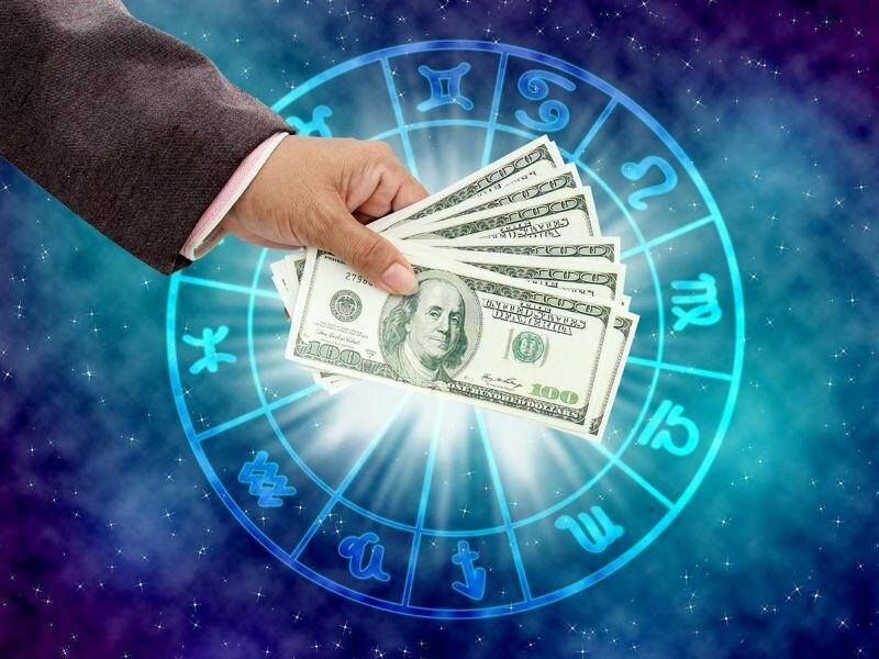 Каким знакам зодиака повезет в финансах