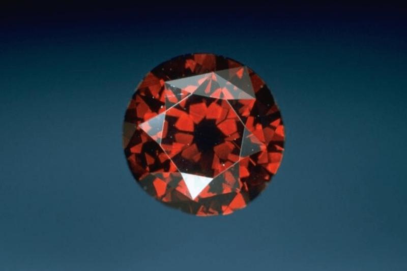 Один карат этого камня стоит миллион долларов