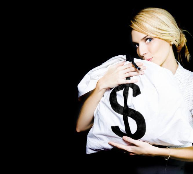 Стоит ли бежать покупать валюту