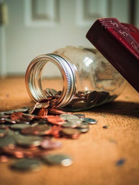 Как бедные становятся беднее. Пример из жизни.