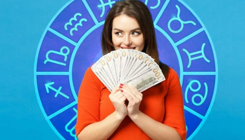 Какие знаки зодиака ожидает финансовый достаток