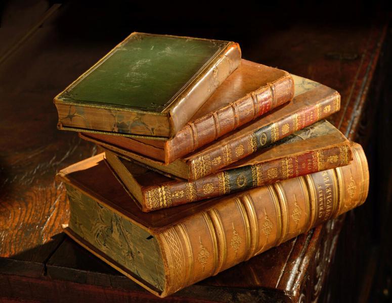 Книга-бестселлер по инвестициям и другое