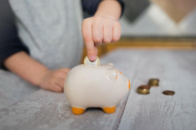 Как правильно начать знакомить детей с деньгами
