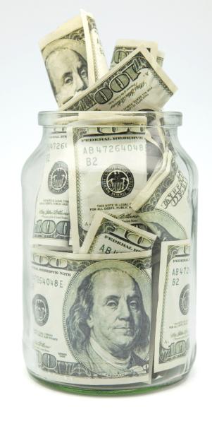 Уже 20 лет покупаю доллары: чему меня это научило