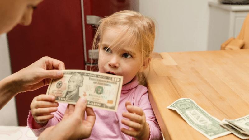 Почему я не даю ребёнку деньги?