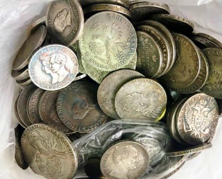 Как дедушка два раза продавал нам дорогие монеты