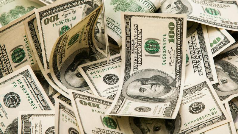 Хочешь головную боль — пропиши в договоре оплату в долларах
