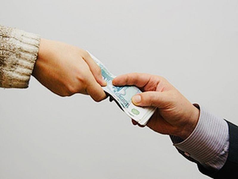 Муж хорошо зарабатывает, но денег в семье нет