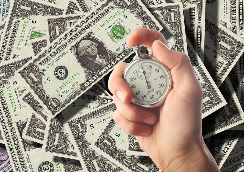Торгуя долларами, за 3 часа заработал 514% годовых