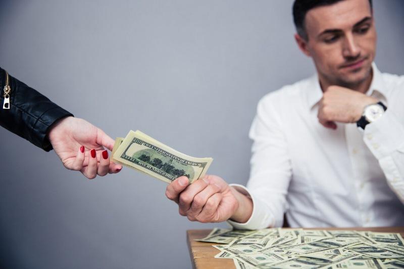 Kako odviknuti kolege da traže novac
