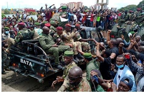Миру предсказали дефицит железной руды из-за переворота в Гвинее