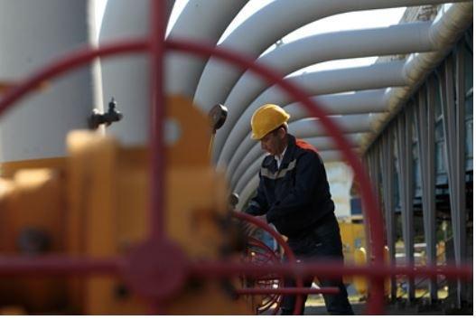 Песков назвал пропагандой требования США о большей прокачке газа через Украину